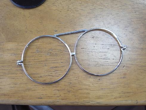 ヘッドルーペと遮光メガネを使って改善 05
