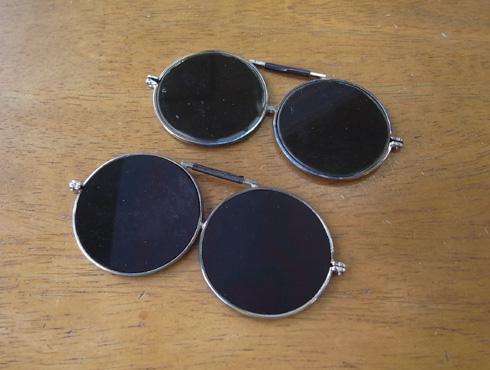 ヘッドルーペと遮光メガネを使って改善 08