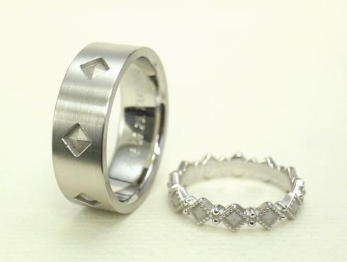 ピラミッドスタッズ柄の結婚指輪(アンティーク風) 04