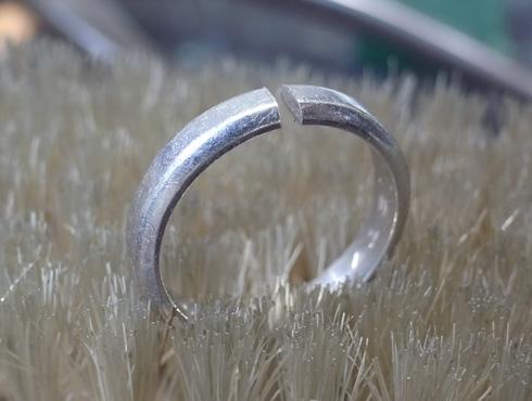 ご両親から引き継いだ 素敵な結婚指輪 03