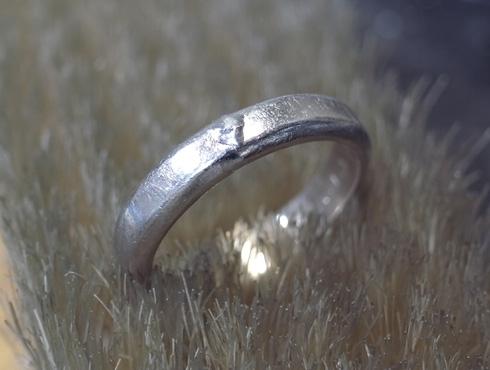 ご両親から引き継いだ 素敵な結婚指輪 04
