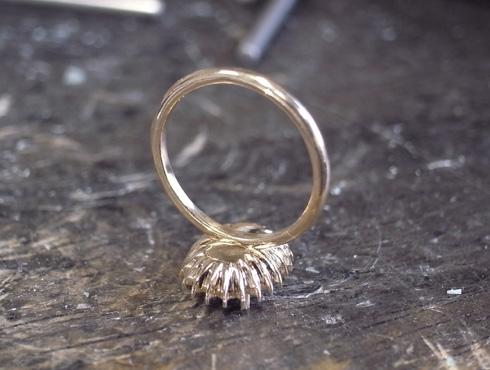 オパール付のダイヤ取り巻きリング 製作過程 03
