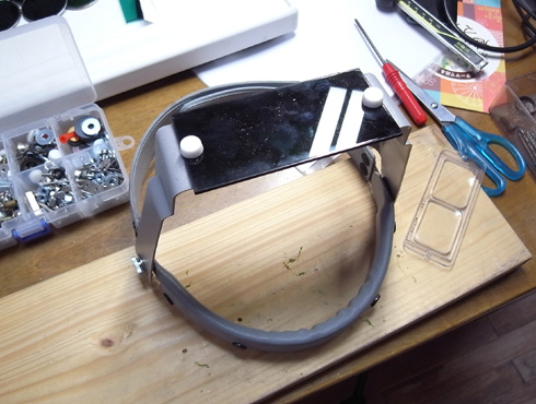 ヘッドルーペと遮光メガネを使って改善 06