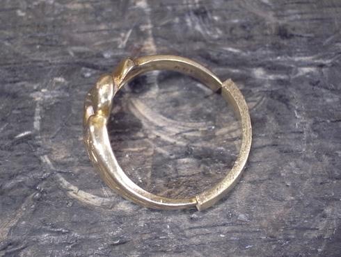 指輪の細くなった腕を修理&サイズ直し 08