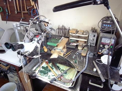アトリエエッグの工房の様子 作業机