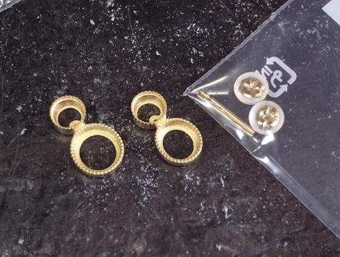 ピアスの金具
