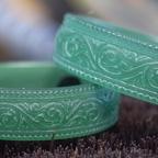 繊細な唐草模様の結婚指輪を製作中