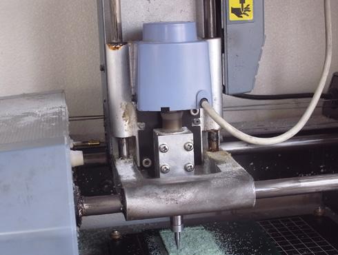 切削機 MDX-15 スピンドルモーターの交換 02