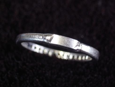 外れなくなったティファニーの結婚指輪の修理 07