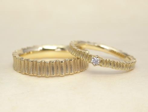 樹木柄の個性的な結婚指輪 01