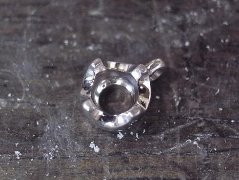 シンプルなダイヤ1粒ペンダント 04