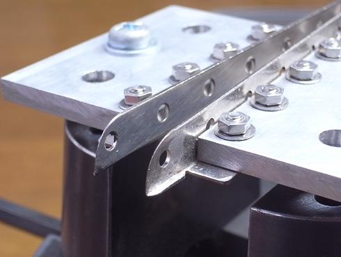 外れなくなった指輪の切断の際に使う工具 11