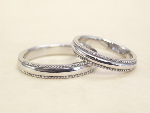 ぷっくり大きめなミル打ちの結婚指輪 01