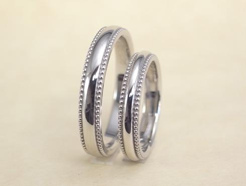 ぷっくり大きめなミル打ちの結婚指輪 03