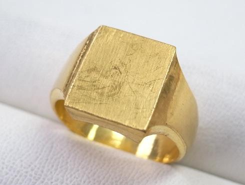 純金の印台リングを2本の18Kの指輪にリフォーム 01