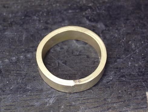 純金の印台リングを2本の18Kの指輪にリフォーム 06
