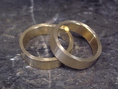 純金の印台リングを2本の18Kの指輪にリフォーム 07