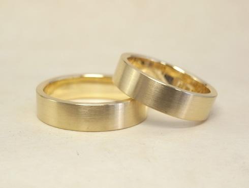 純金の印台リングを2本の18Kの指輪にリフォーム 08