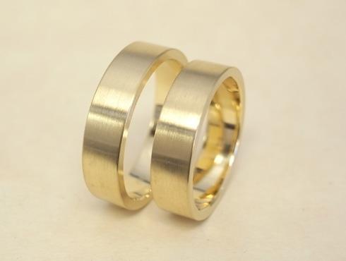 純金の印台リングを2本の18Kの指輪にリフォーム 09