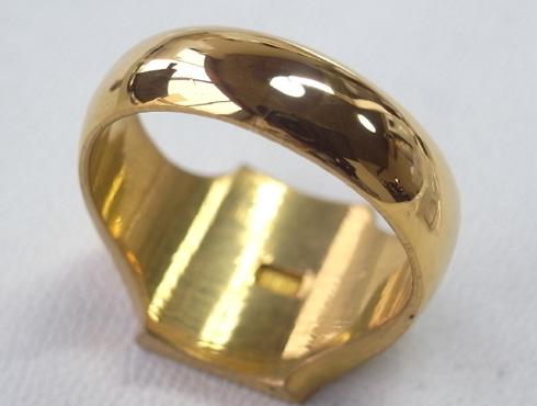 純金の印台リングを2本の18Kの指輪にリフォーム 12