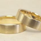 純金リングを2本の指輪にリフォーム