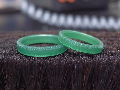 アレンジで大きなミル打ちに変更した結婚指輪 01