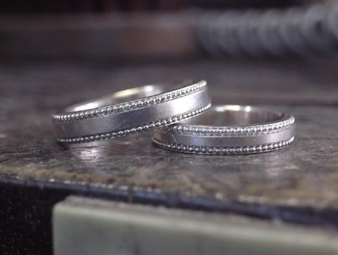 アレンジで大きなミル打ちに変更した結婚指輪 02