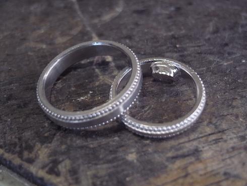 アレンジで大きなミル打ちに変更した結婚指輪 03
