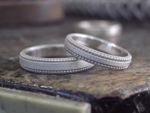 アレンジで大きなミル打ちに変更した結婚指輪 05