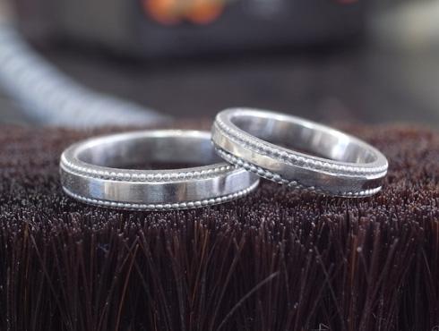 アレンジで大きなミル打ちに変更した結婚指輪 06