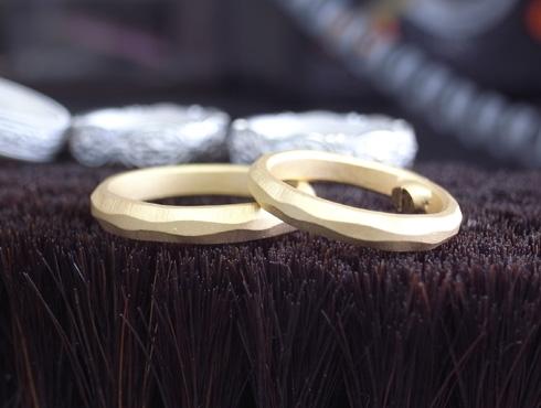 急ぎの結婚指輪 01