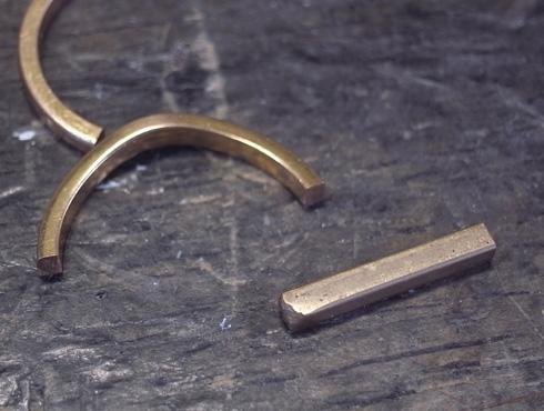 切断されたカルティエ(cartier)の結婚指輪のサイズ直しと修理 03