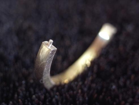 切断されたカルティエ(cartier)の結婚指輪のサイズ直しと修理 05