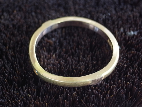 切断されたカルティエ(cartier)の結婚指輪のサイズ直しと修理 16