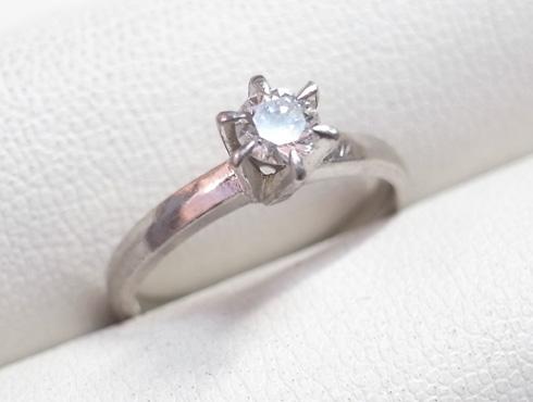 譲り受けた婚約指輪をサイズ直しする 01