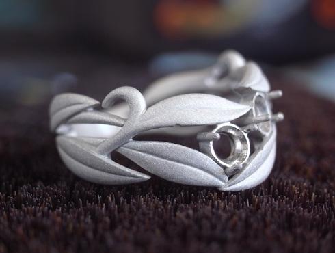 オーダーメイドの葉をモチーフの指輪 アレキサンドライト 08